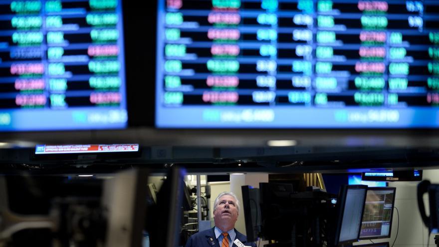 Wall Street amplia los avances y sube el 0,3 por ciento a media sesión