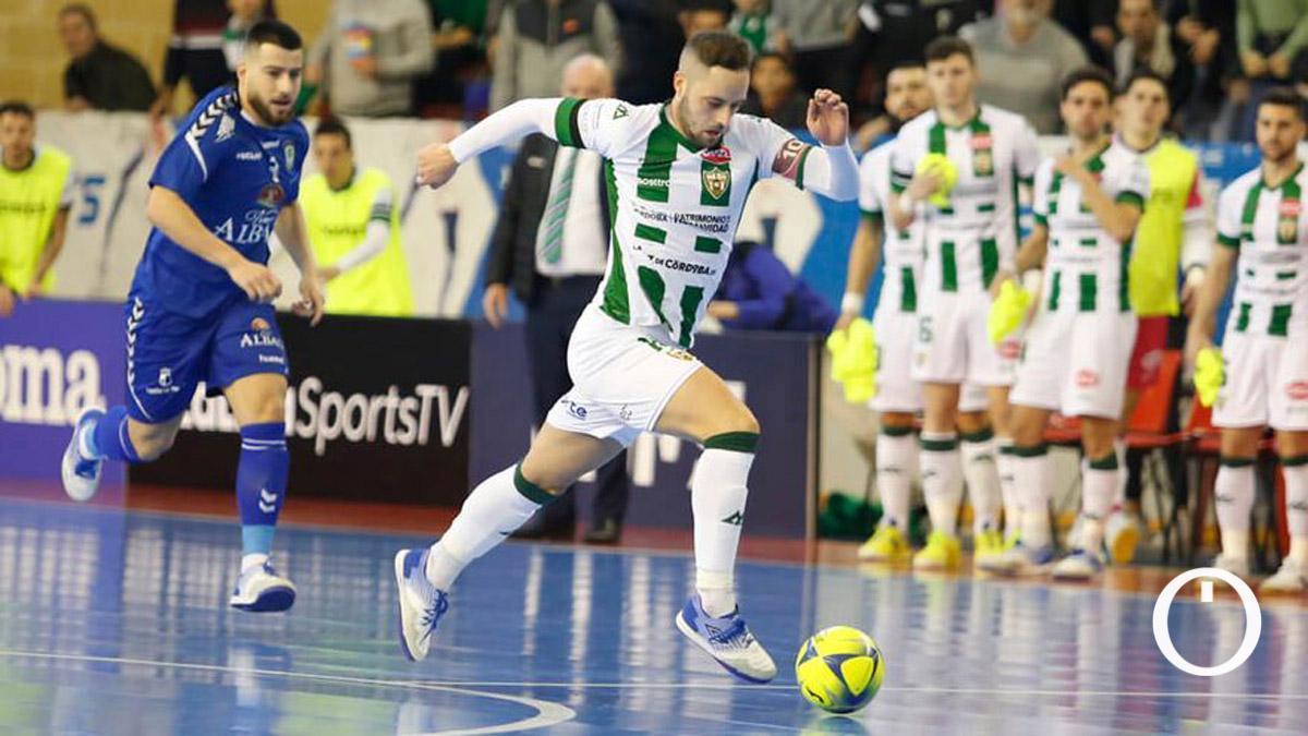 Manu Leal, ante el Viña Albali la anterior temporada.
