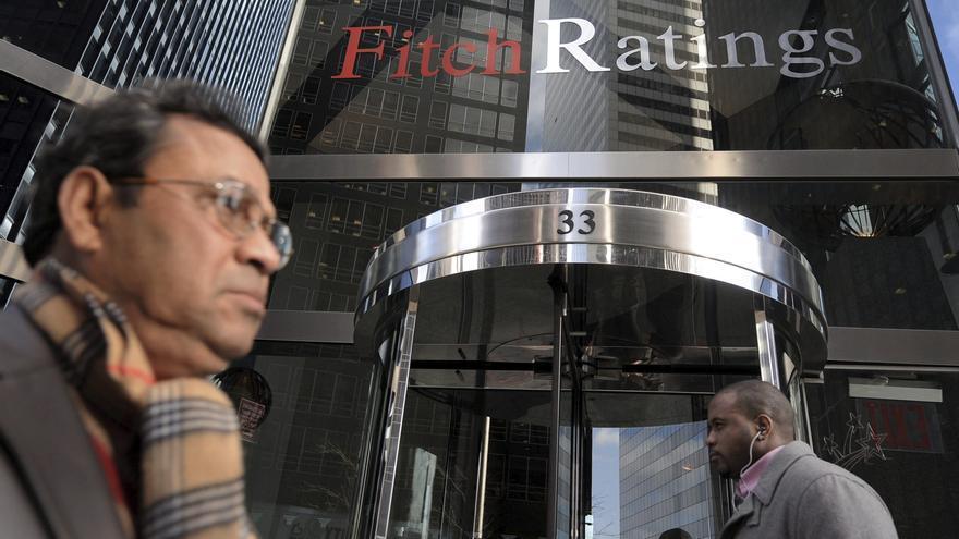 Fitch califica de negativas las perspectivas para la banca española en 2013