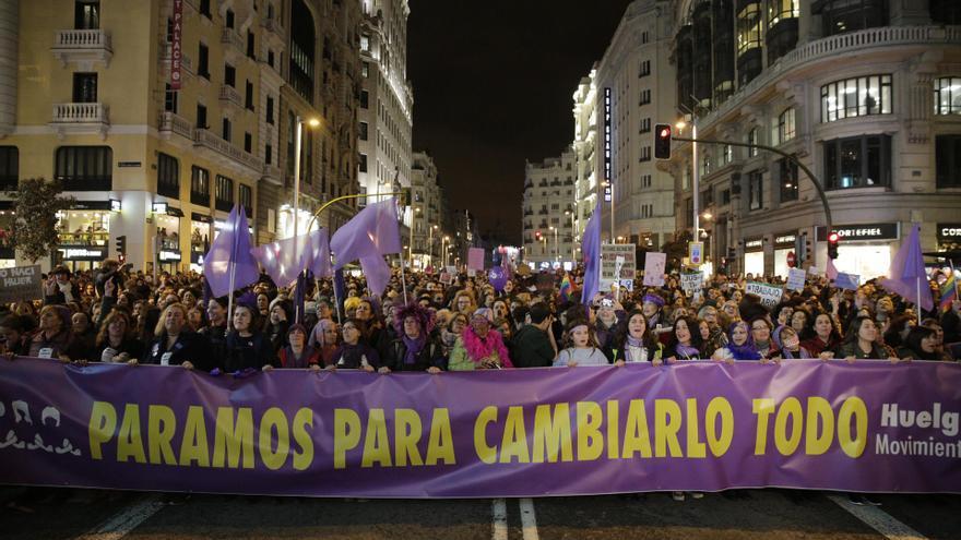 La cabecera de la manifestación del 8M, superando la Gran Vía de Madrid / Olmo Calvo