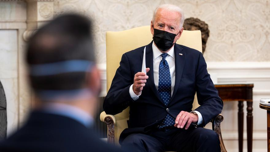 Biden revoca los decretos de Trump sobre migración, redes sociales y estatuas