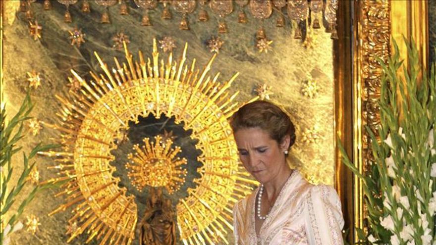La infanta Elena recibe en Zaragoza el Lazo de Dama de la Real Maestranza