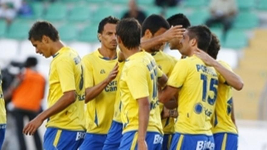 Las Palmas se estrena con victoria y buen fútbol