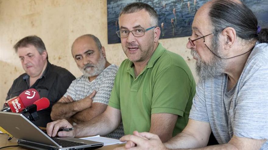 Los 4 junteros alaveses expulsados de Podemos no dejarán de momento las actas
