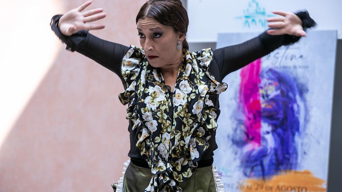Representación teatral en la presentación del festival / Foto: Fidel Manjavacas