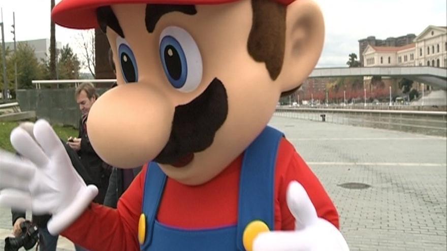 Nintendo presenta en Bilbao 'Super Mario 3D World', que saldrá a la venta el viernes en toda Europa