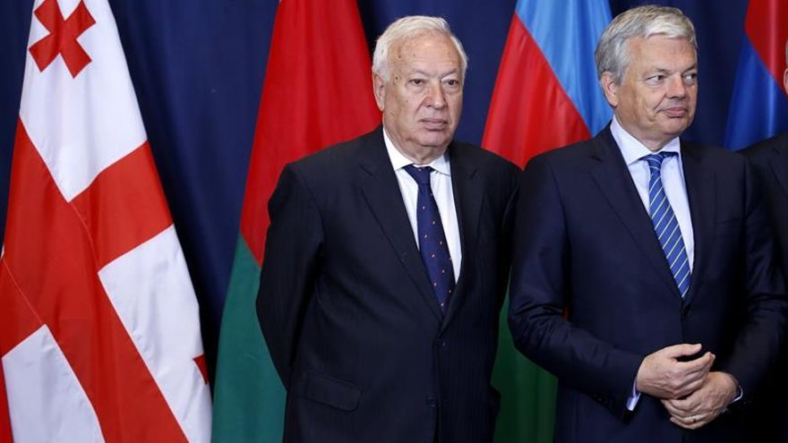 Margallo llega a Estambul para asistir a la cumbre humanitaria de la ONU