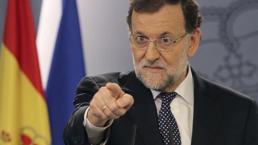 Rajoy avisa con todas las medidas políticas y jurídicas contra independencia