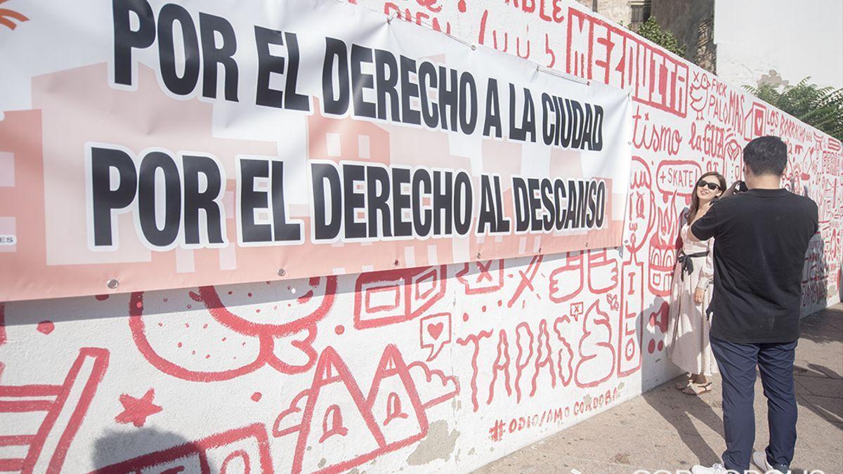 Protesta vecinal en el solar donde se construirá un nuevo complejo de ocio en la Ribera.