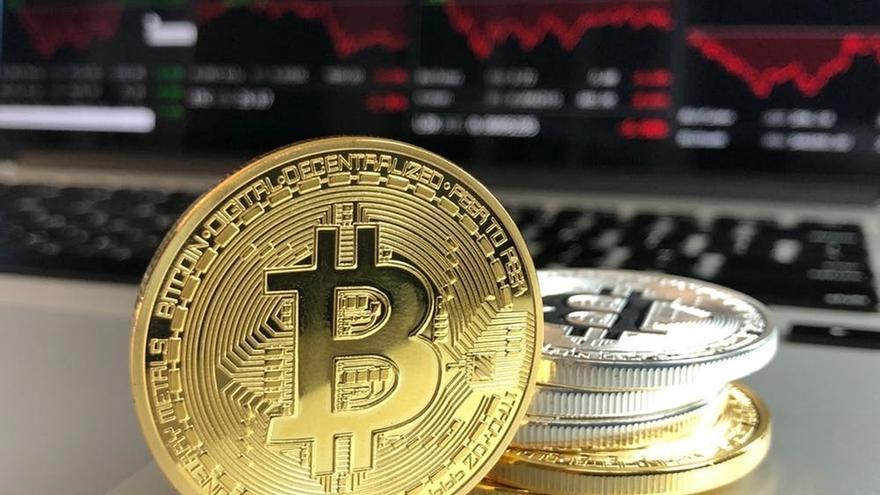 Usuarios de una plataforma japonesa intentan retirar gratis 16 billones en bitcoin aprovechando un error