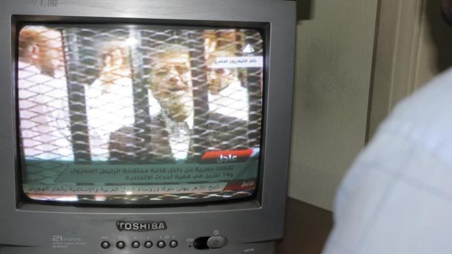 El juicio de Mursi de mañana será retransmitido en directo por televisión