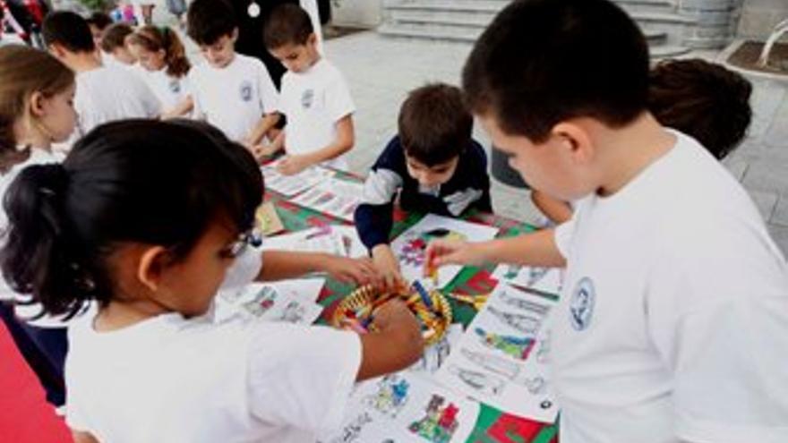 Niños en los talleres. (ACFI PRESS)