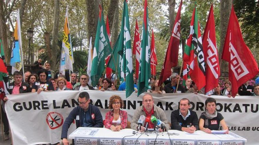 Portavoces de los sindicatos de la enseñanza concertada en Euskadi.