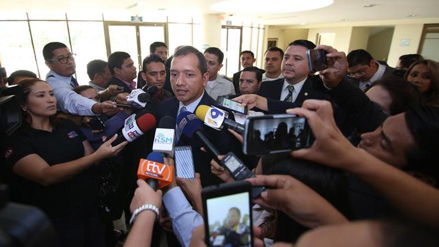 Renuncian ministros de Trabajo, Interior y Finanzas en Guatemala por crisis