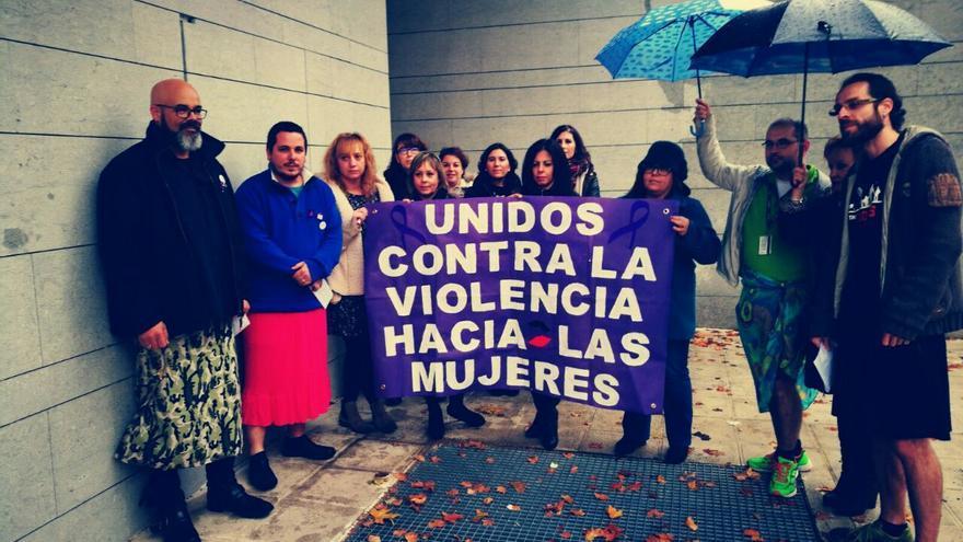 trabajadores de Atento Toledo en falda