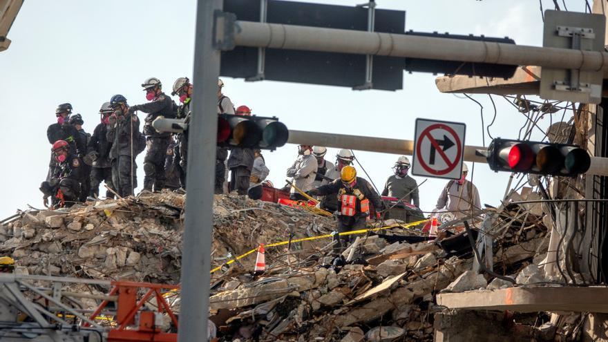 Nuevas cifras del colapso del edificio en Miami: 11 muertos y 150 desaparecidos