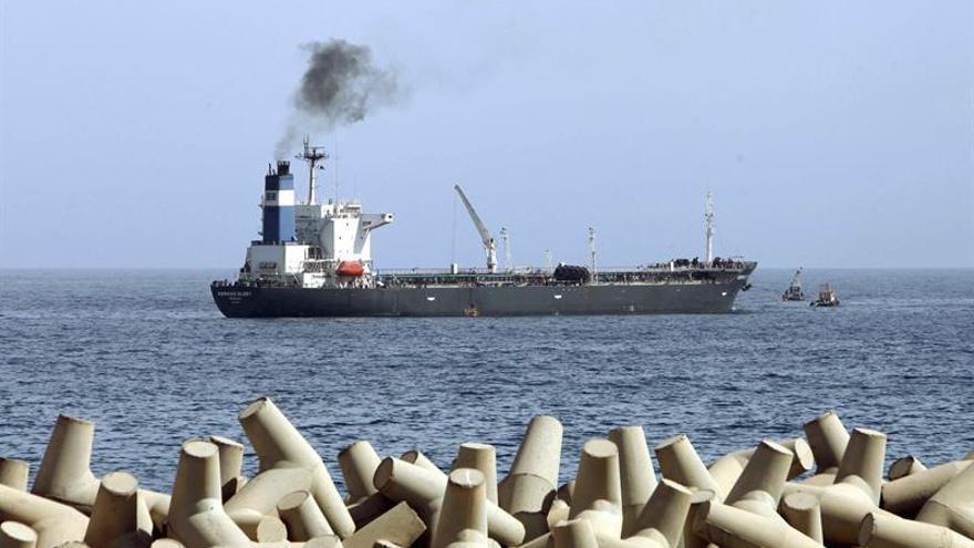 Sidrá retoma la actividad tras llegar el primer petrolero desde los combates