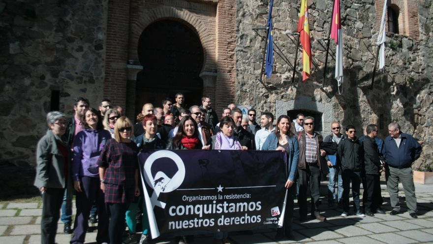 Concentración día de la mujer en Toledo Izquierda Unida