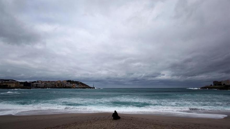 Un frente atlántico barrerá a partir de hoy la mitad norte de la península