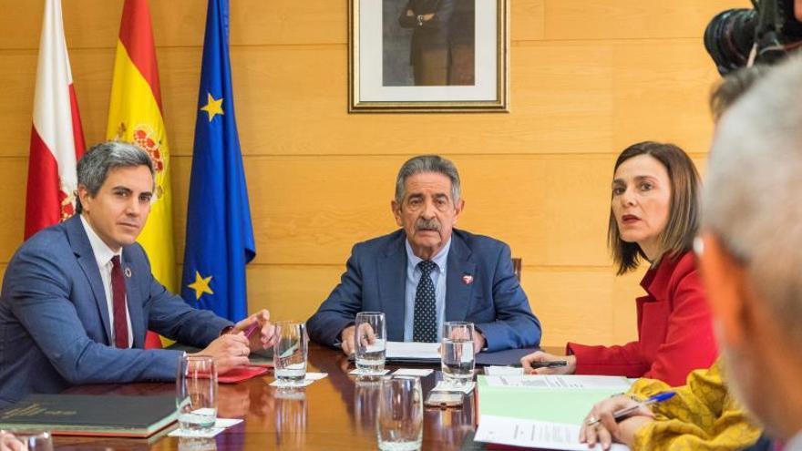 Revilla mantendrá el pacto con el PSOE si respeta los compromisos con la región