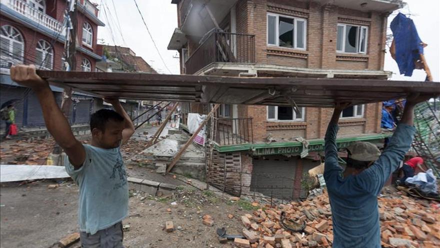 Un terremoto de 5,7 grados vuelve a sacudir Nepal