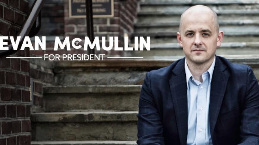 El cartel de campaña del candidato independiente Evan McMullin.