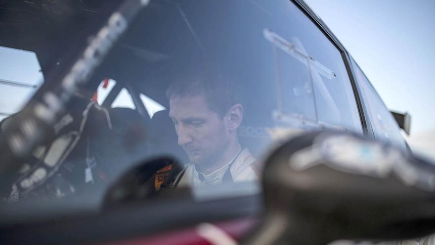 El piloto ruso Alexey Lukyanuk a bordo de su Ford Fiesta R5.