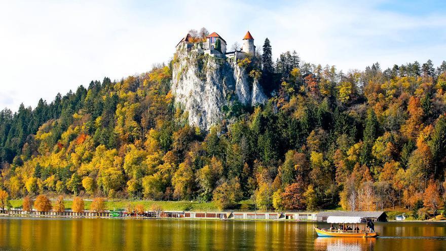 Castillo de Bled, a orillas del lago del mismo nombre. SLOVENIA.INFO