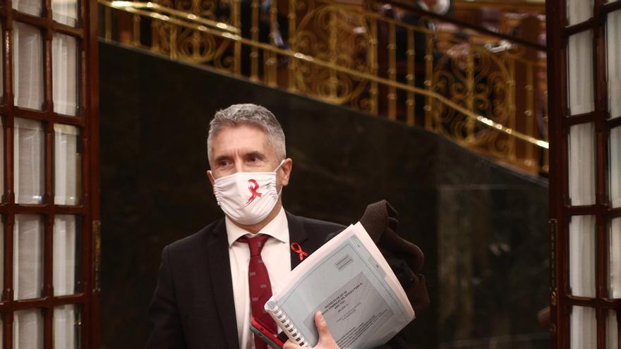 El ministro del Interior, Fernando Grande-Marlaska, sale del Salón de Plenos del Congreso