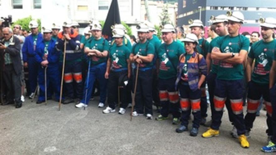 Mineros Asturianos En La Marcha Negra A Madrid
