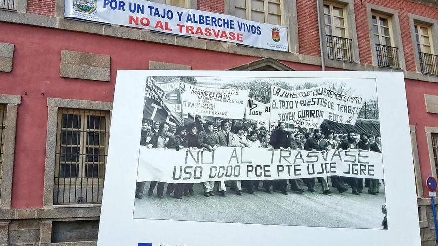 Pncarta en contra del trasvase Tajo-Segura en Talavera de la Reina. Miguel Ángel Sánchez
