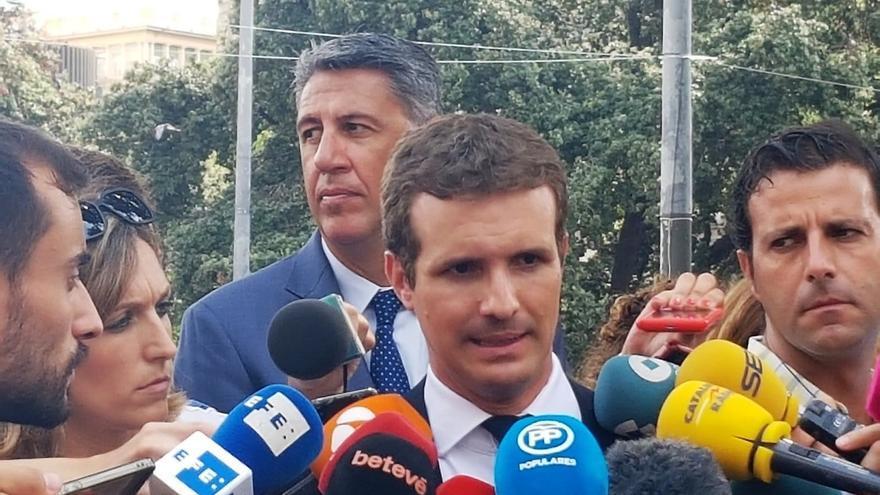 """Casado cree que se debería haber retirado la pancarta y ve """"indignante"""" el uso """"torticero"""" de los independentistas"""
