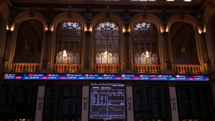 La Bolsa española abre con un alza del 1,40 %, pendiente del Eurogrupo y OPEP