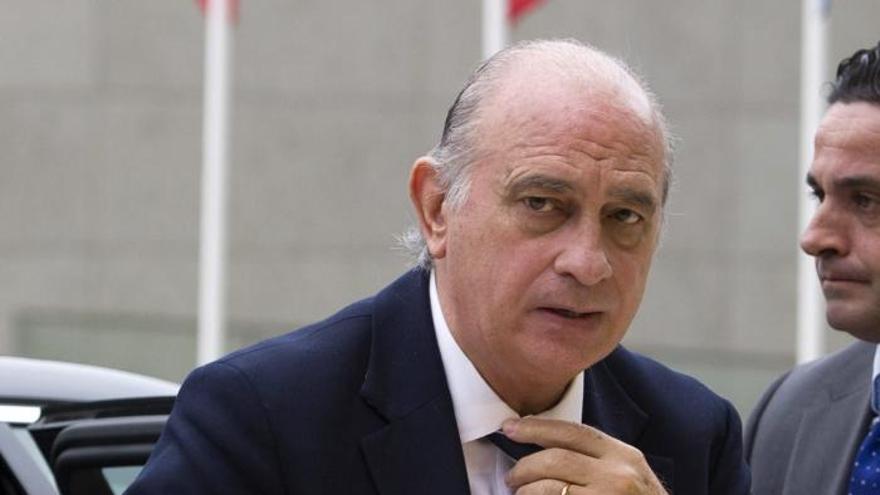 """El ministro del Interior desea """"un PSC sólido"""" como garantía de la """"vertebración"""" de España"""