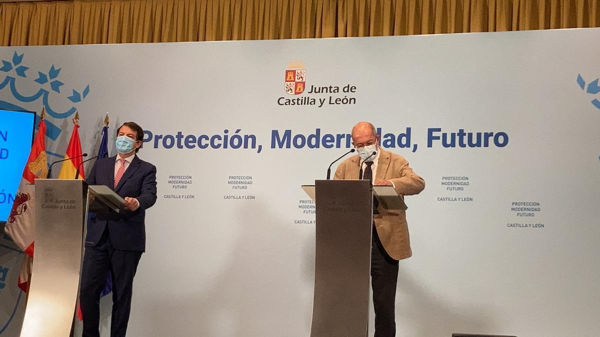 Mañeuco e Igea durante la rueda de prensa.