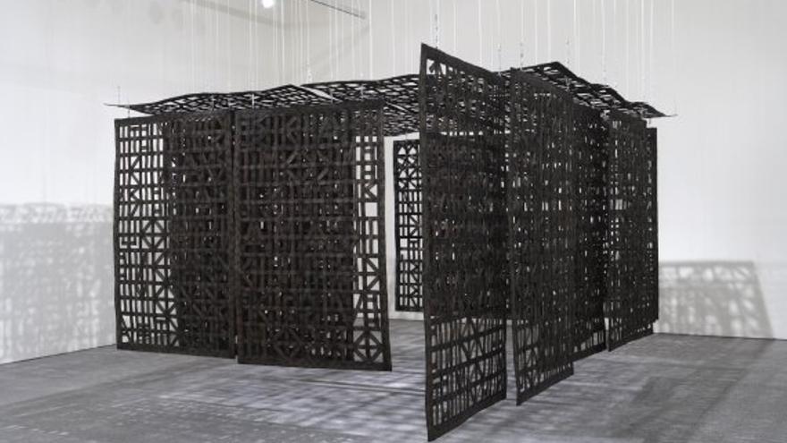 Cristina Iglesias, Pabellón suspendido en una habitación (2005)/ Imagen cedida por el Museo Reina Sofía