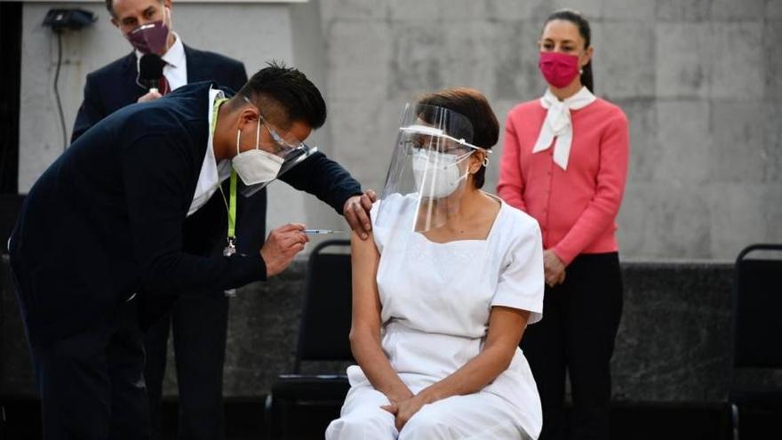 México, primer país de América Latina en comenzar la vacunación contra el coronavirus