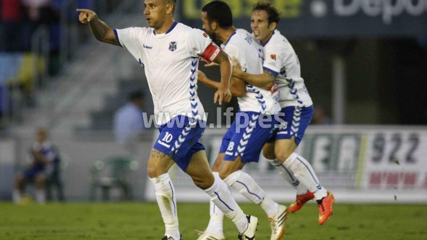 Suso Santana celebrando uno de sus goles en esta temporada   lfp.es