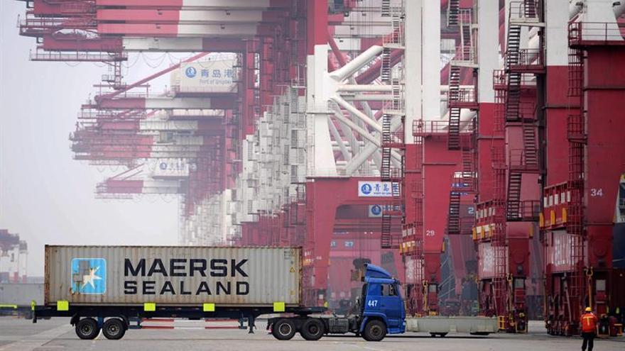 Maersk valora la suspensión de los paros y pide negociar sin presiones