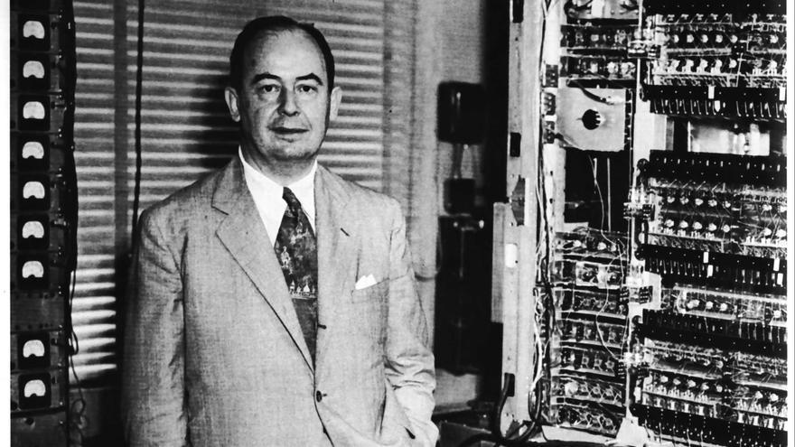 """John von Neumann, participante en el Proyecto Manhattan y responsable del concepto de """"programa almacenado en memoria"""""""