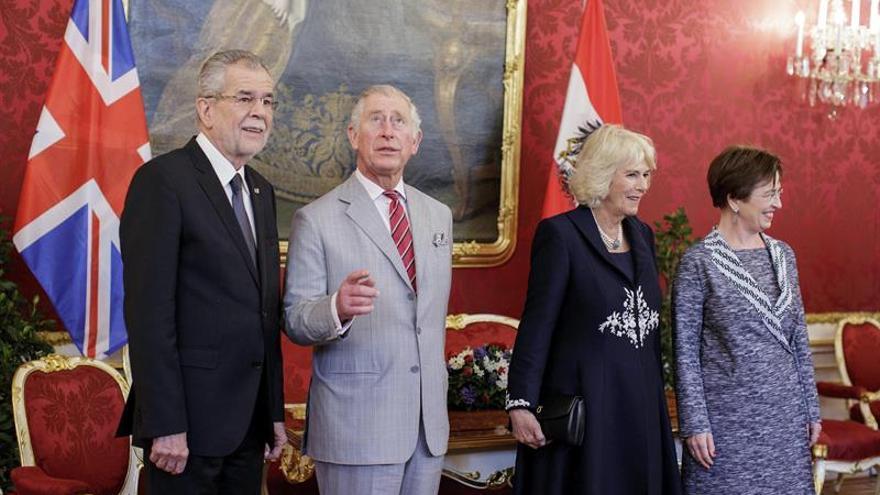 El príncipe de Gales y Camilla inician una visita de dos días a Viena