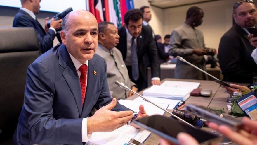 Ministro venezolano dice que la capacidad petrolera ha sido golpeada por las sanciones