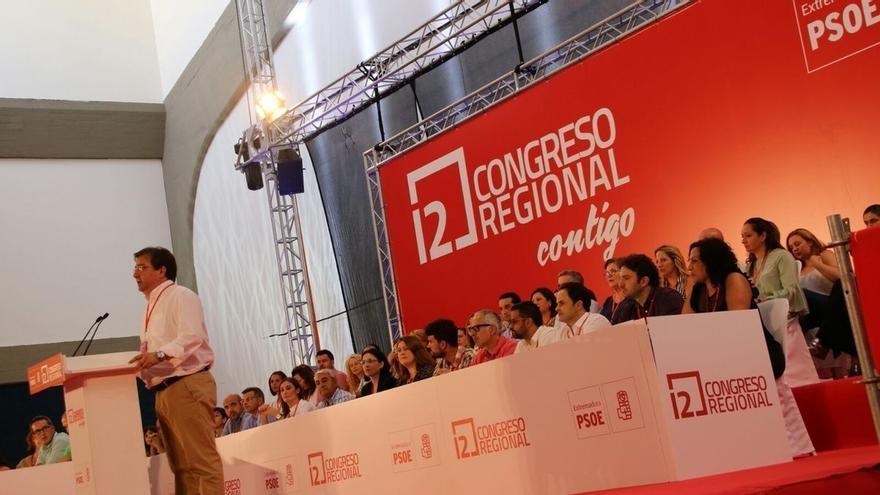 """Vara inicia con """"ilusión"""" la """"nueva etapa"""" al frente del PSOE de Extremadura, que """"necesita"""" a Sánchez en el Gobierno"""