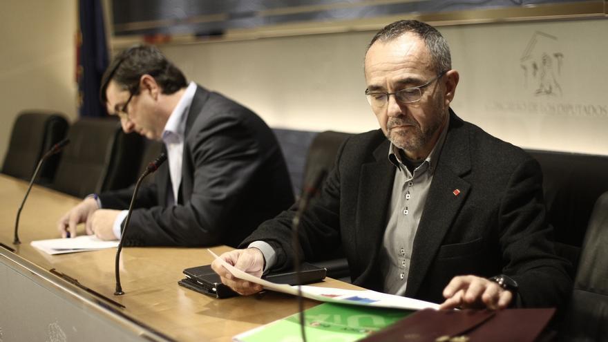 IU-ICV aboga por obligar a hacer públicos los ingresos y gastos de cada diputado, dejando al margen los partidos