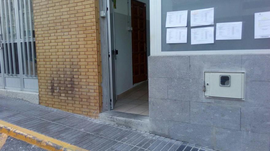Sede de un colegio electoral inaccesible en La Isleta.