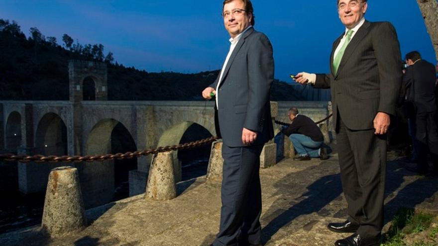 Actos de inauguración de la iluminación del puente romano / GobEx