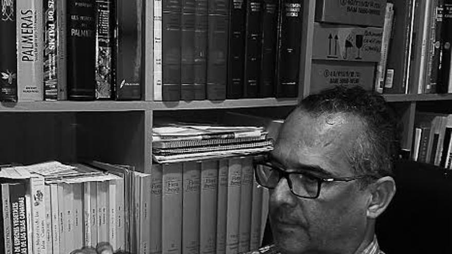 Nono Castro, coordinador del Taller de Fotografía del Ateneo.