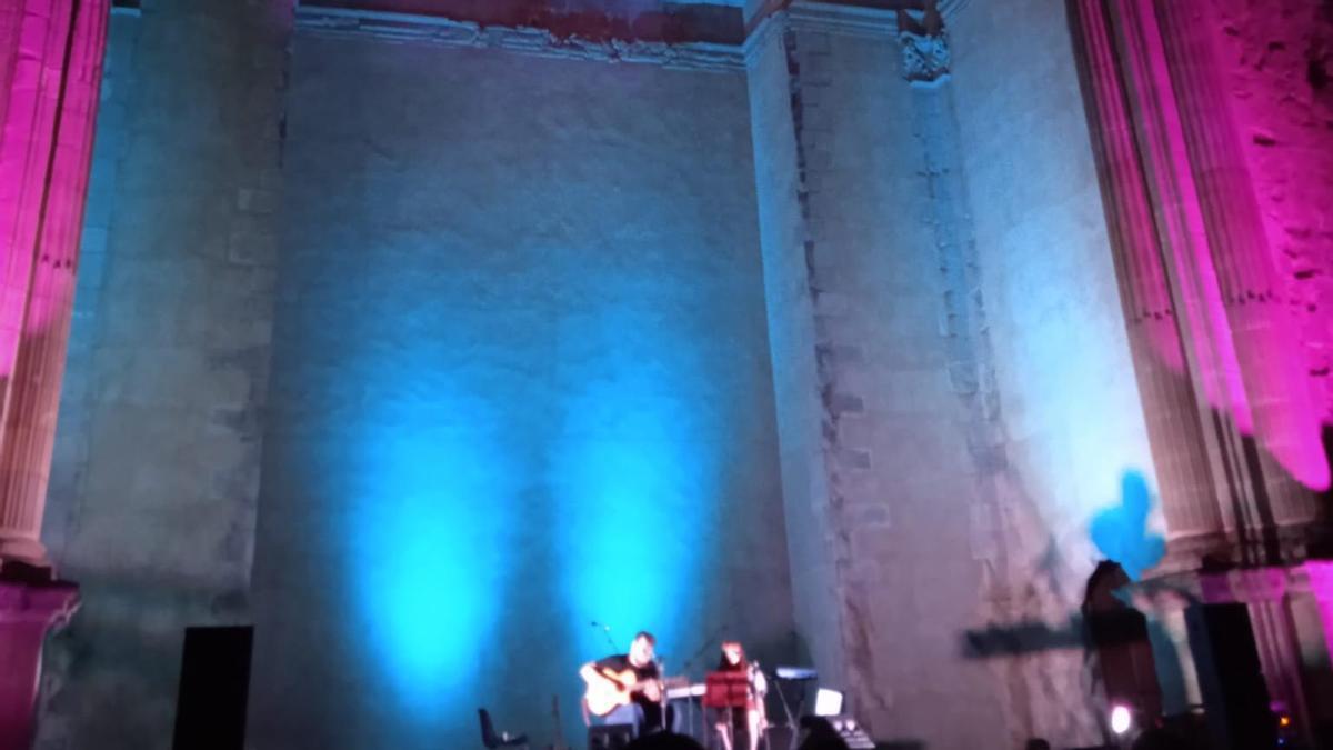 Carmen y Adrián durante el concierto del sábado 21 de agosto en Cazorla