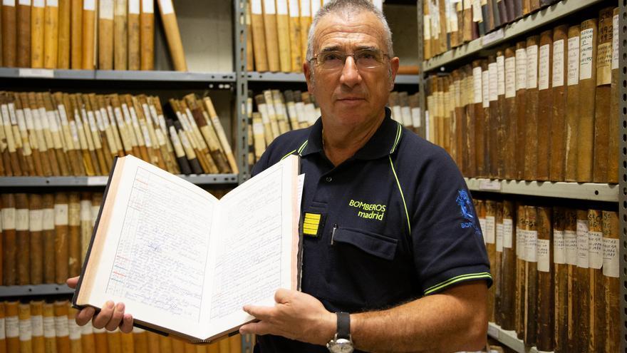 Juan Redondo en el archivo donde hizo buena parte de su investigación.