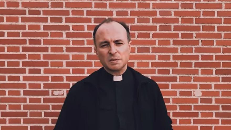 El sacerdote de la parroquia Sagrado Corazón de Talavera de la Reina, Santiago Arellano